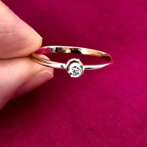 Gold 14k ring with diamond